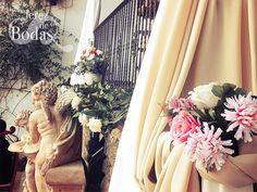Detalle de montaje con telas en pérgolas para ceremonia civil en Sanlúcar. Feb/15