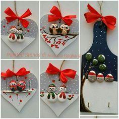 100 creative ideas for stones painted in Christmas mood! Christmas Pebble Art, Christmas Rock, Diy Christmas Gifts, Christmas Projects, Handmade Christmas, Christmas Decorations, Christmas Ornaments, Natural Christmas, Stone Crafts