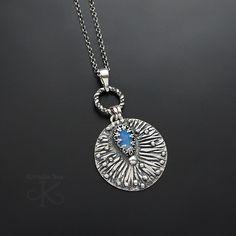 Płatek snu - srebrny wisior z opalem australijskim / Kornelia Sus / Biżuteria / Wisiory