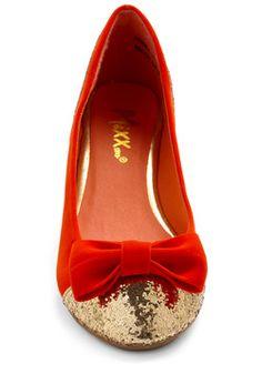 Gold-Oriented Flats, #ModCloth
