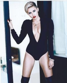 Miley Cyrus 8x10 Photo - No White or Black Borders. #MC023