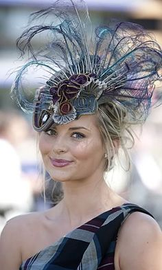 Royal Ascot 2010 hat by Mimi Theobold * pretty! * *&*. Very beautiful hat i love this hat.