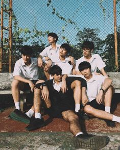 Group Poses, Boys Wallpaper, Cute Gay Couples, Boy Poses, Thai Drama, Ulzzang Boy, Best Actor, Handsome Boys, Film