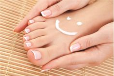 Fungi causes athlete's foot and yeast infections. Mold, mushrooms and mildew are best examples of fungi. Fungi is known to live in the air around us. They are also found in water and plants and in. Fast Weight Loss, Healthy Weight Loss, Weight Loss Tips, Fat Fast, Help Losing Weight, Lose Weight, Homemade Foot Cream, Scholl Velvet Smooth, Toenail Fungus Remedies