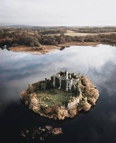 Abandoned Castles, Abandoned Places, Beautiful Castles, Beautiful Places, Uk And Ie Destinations, Best Of Ireland, Castle Ruins, Fantasy Places, Forest Park