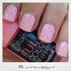 Nail Art Bubble Gum --> Flormar -->http://nailenkha.blogspot.com.es/2015/10/nail-art-bubble-gum.html #flormar #fullcolor #pink #dixnails #konad #borpretty #stamping #nails #notd #manicure #nailart #polish #nailspolish #nailartadict #cutepolish #cool #fashion #nailideas #manicura #esmalte #uñas #unhas #nailsporn #blog #blogguer