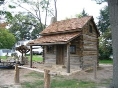 Old log cabin example for my log cabin replica western doll house project :) Tiny Log Cabins, Small Log Cabin, Old Cabins, Little Cabin, Log Cabin Homes, Cabins And Cottages, Small Cabins, Shed Cabin, Tiny House Cabin