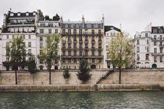 #mansard #roof in #Paris