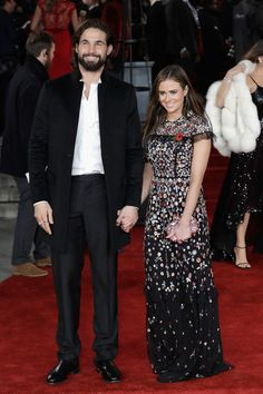 Jamie Jewitt Photos - Jamie Jewitt and Camilla Thurlow attend the 'Murder On The Orient Express' World Premiere at Royal Albert Hall on November 2017 in London, England. - 'Murder on the Orient Express' World Premiere - Red Carpet Arrivals Camilla Thurlow, Plastic Carpet Runner, Carpet Remnants, Cost Of Carpet, Royal Albert Hall, Red Carpet, November 2, Orient Express, Couture