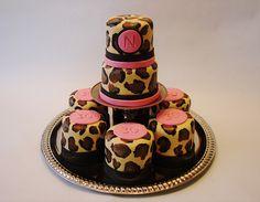 leopard print mini cakes
