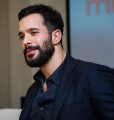 Turkish Men, Turkish Actors, Hot Actors, Actors & Actresses, Elcin Sangu, Boy Celebrities, Beard No Mustache, Male Face, No One Loves Me