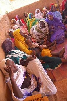 Reunión de mujeres en un centro de Refugiados.