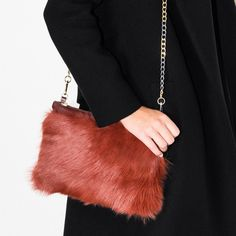 """✨2XHOST PiCK ✨Üterque orange furry purse. Orange Toscana shearling purse from Üterque, Zara's luxury brand. Comes with dust bag.           Approximate measures: 7"""" x  10"""".                           Color is a burnt orange like the stock pictures. Üterque Bags"""