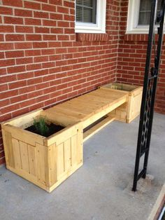 backyard ideas with pallets | 40 Fantastic Ways Of How To Reuse Old Wooden Pallets | WooHome