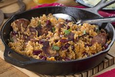With just one pan and 15 minutes, you can whip up an extraordinary dish that& have the whole gang pining for more. Our recipe for Chuck Wagon Skillet has all that great barbecue flavor we love, and you only need 5 ingredients to make it! Easy Skillet Dinner, Easy Skillet Meals, Easy Meals, Skillet Cooking, Weeknight Meals, Easy Cooking, Stove Top Recipes, Pork Recipes, Cooking Recipes
