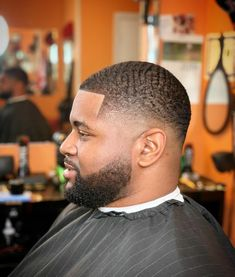 Black Men Hairstyles, Hairstyles Haircuts, Haircuts For Men, Types Of Waves, Waves Haircut, 360 Waves, Taper Fade, Mens Hair Trends, Lineup