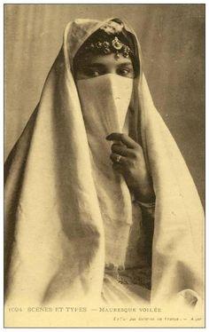 ALGERIA ARAB.....VINTAGE....PARTAGE OF KATHY LEE.....