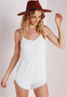 Combishort blanc à pompons - Combishorts - Missguided