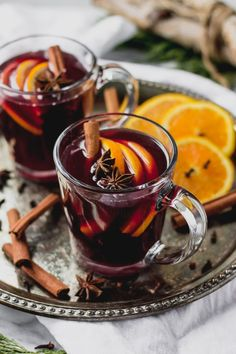 Mulled Wine is SO easy to make and ready in 20 minutes; warm mugs of this spice-filled drink are the perfect way to jazz up a holiday party! Holiday Cocktails, Cocktail Drinks, Cocktail Recipes, Wine Recipes, Traditional Thanksgiving Recipes, Jus Detox, Wine Photography, Food And Drink, Drink Wine