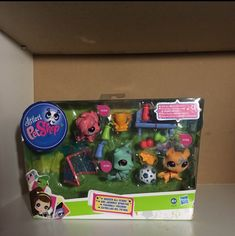 Different pets in good condition Box and accessories brand new Sheepdog, corgi, and collie Authentic pets Lps, Peru, Little Pet Shop, Happy Animals, Collie, Amelia, Minis, Lunch Box, Miniatures
