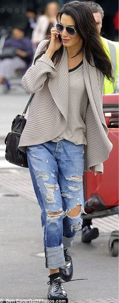 I love everything about this Fall outfit. Lovely Fall Fresh Looking Outfit.