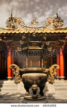 ANTIQUE CHINESE TEMPLE INCENSE BURNERS | censer in temple with brown egyptian hand made incense incense