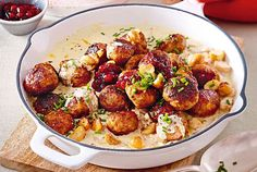 Hackbällchen in Pilz-Kräuterrahm Our popular recipe for meatballs in mushroom-herb cream and more than more free recipes on LECKER. Stew Meat Recipes, Healthy Crockpot Recipes, Meatball Recipes, Healthy Beef And Broccoli, Broccoli Recipes, Dinner Party Recipes, Beef Recipes For Dinner, Beef Recipe Instant Pot, Easy Beef Stew