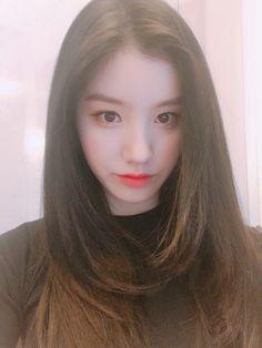 PRISTIN ♡ Xiyeon 시연 • Park SiYeon 박시연 (Park JungHyeon 박정현) #띠띠 #퀸시연 #눈빛