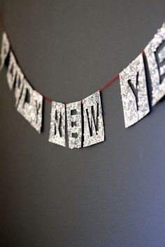 Sparkly New Year's Eve Garland | minted.com/julep