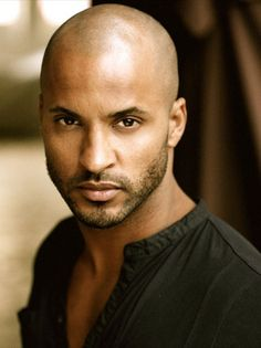 """Ricky Whittle (UK) Plays a """"Grounder"""" on the CW show The 100... love the actor, love the character!"""