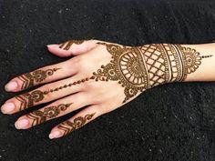 LEARN TO APPLY EASY SIMPLE MEHNDI DESIGN BEST ONLINE TUTORIAL - YouTube Mehndi Designs For Hands, Simple Mehndi Designs, Mehandi Designs, Mehndi Tattoo, Mehndi Art, Henna Mehndi, Mehendi Simple, Mehndi Video, Beautiful Mehndi Design