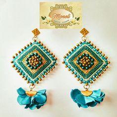 Bead Jewellery, Bead Earrings, Beaded Jewelry, Crochet Earrings, Bead Embroidery Patterns, Beaded Embroidery, Balmain, Pendants, Handmade