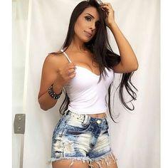 Básico 💛 . . . . . Siga 🌻 》 @Fashionistas_book Siga 🌼 》 @Fashionistas_book  Siga 🌻 》 @Fashionistas_book  Siga 🌼 》 @Fashionistas_book  Siga 🌻 》 @Fashionistas_book . . . . . . #Deusetudo #nice #tardis #blessed #branch #lindas #said #curtidas #lookbook #adidas #fashion #style #love #me #cute #photooftheday #nails #agradecimento #instafashion #pretty #girly #girls #eyes #model #fashionistas #moda #vida #bencao