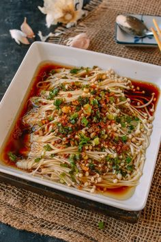 "Enoki Mushrooms with Garlic & Scallion Sauce Fresh enoki mushrooms have finally made it to the mainstream in the US markets. Chinese call the Japanese named, enoki mushrooms, ""golden needle mushrooms"" Enoki Mushroom Recipe, Mushroom Recipes, Mushroom Meals, Asian Recipes, Healthy Recipes, Indonesian Recipes, Japanese Vegetarian Recipes, Easy Japanese Recipes, Vegetarian Meal"