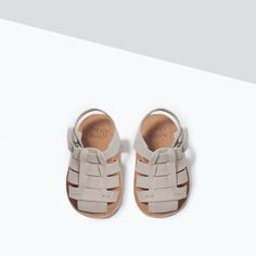 BUCKLE DETAIL LEATHER SANDALS-Shoes-MINI | ZARA United States