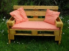 Bank aus Paletten ✔ Bank aus Europaletten ✔ Sitzbank ✔ Gartenbank ✔ Pale… Bench made of pallets ✔ Bench made of europallets ✔ Bench ✔ Garden bench ✔ Pallet bench ✔ Own build or buy ✔ Also pallet cushions & pallet furniture Ideas DIY Old Pallets, Pallets Garden, Wooden Pallets, Wooden Diy, Euro Pallets, Wooden Pallet Furniture, Diy Furniture, Furniture Design, Outdoor Furniture