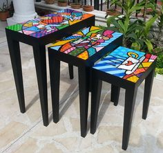 Romero Britto Más Whimsical Painted Furniture, Hand Painted Furniture, Funky Furniture, Art Furniture, Colorful Furniture, Repurposed Furniture, Furniture Makeover, Painted Stools, Mosaic Projects