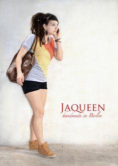 Lässiges, leicht tailliertes  Jaqueen Top mit kurzen Ärmeln aus wunderbar weichem Jersey in der sommerlichen Farbkombi rot, gelb und grau.    Länge...