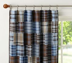 i can see this style, only different colors, the burgundy, cream linen, and navy blue of primitive Americana...as curtains in the boys' room.  They only have 1 small window anyway!