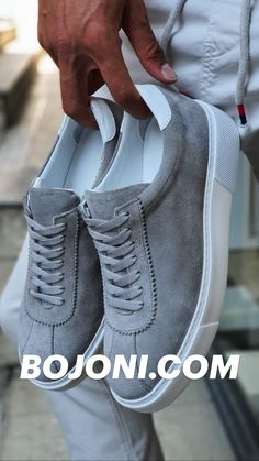 Casual Sneakers, Sneakers Fashion, Sneakers Nike, Top Shoes For Men, Shoes Women, Casual Shoes For Men, Rave Outfits Men, Hype Shoes, Shoes Uk
