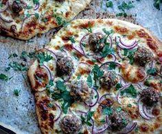 Pizza með kjötbollum