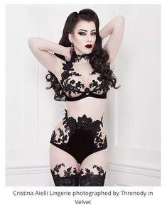Cristina Aielli lingerie, model Threnody in Velvet