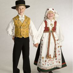 Åmli, Aust, and Agder Bunad Folk Costume, Costumes, Art Populaire, Going Out Of Business, Bridal Crown, Historical Costume, Norway, Folk Art, Barn