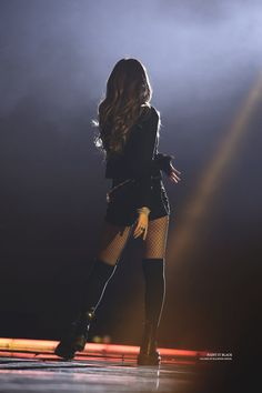 First Kim Jennie back pic on stage | BLACKPINK