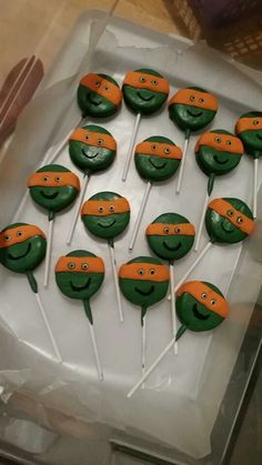 TMNT oreo cookie suckers I made for a bday patrty