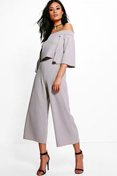 boohoo Holly Off Shoulder Crop & Culotte Co-ord Set Diva Fashion, Fashion Outfits, Fashion Clothes, Co Ord Sets, Top To Toe, Work Attire, Ladies Dress Design, Classy Outfits, Summer Dresses