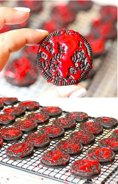 Blood Spatter OREO Cookies for Halloween Easy DIY Blood Spatter OREO Cookie recipe that is perfect for Halloween parties, zombie parties, bloody parties and more. Zombie Halloween Party, Zombie Birthday Parties, Halloween Dinner, Halloween Desserts, Halloween Birthday, Scary Halloween Treats, Group Halloween, Halloween Recipe, 13th Birthday