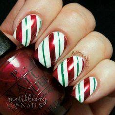 Xmas manicure idea - Candycane Stripes