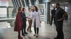 Supergirl Meets Wonder Woman: Photos of Lynda Carter's President | Variety