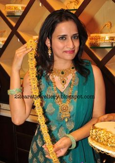Jewellery Designs: Chinmayi Ghatraju Displaying Gold jada(Choti)